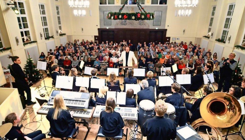 Musikalische Eröffnung der Adventszeit - Traditionelles Adventskonzert des JBO am 27.11.