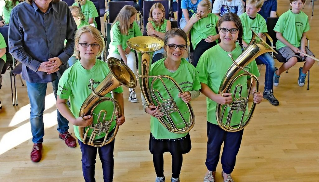 Soziokulturelles Zentrum: Feierlich wurden die Schüler der Musikförderklasse der Oberschule Grimma aufgenommen. Foto: Thomas Kube