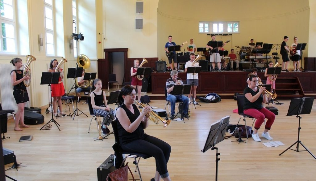 Das Jugendblasorchester traf sich zur ersten Probe. Foto: JBO Grimma
