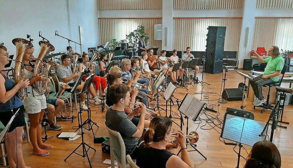 Verspätetes Probelager: Die Musikerinnen und Musikern des JBO kamen Ende Juli für einige Tage nahe Bautzen zusammen. Foto: JBO