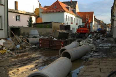 Auf der linken Seite: die Nicolaistr. 1a, unsere Geschäftsstelle und Wohnhaus unseres Vorstandsvorsitzenden.