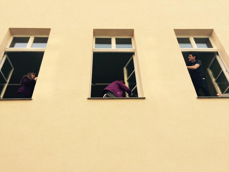 jährliches Fensterputzen